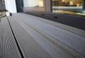 Faire revêtement de la terrasse
