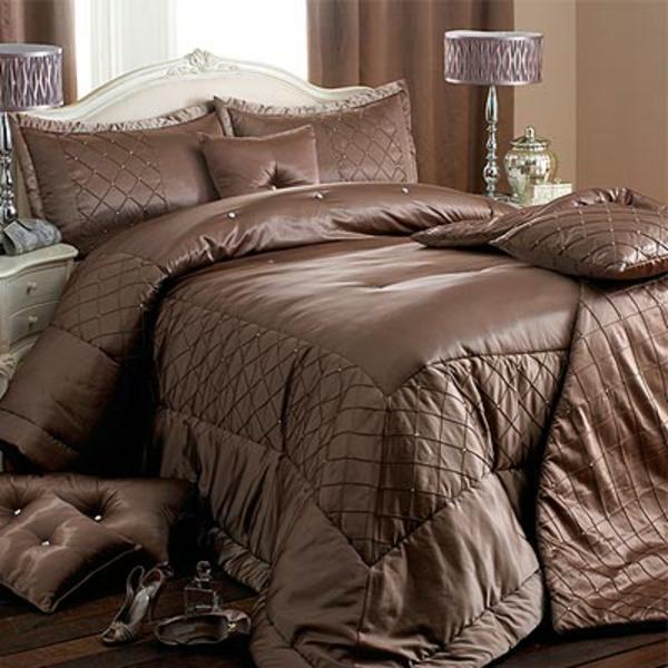 La parure de lit satin luxe et confort for Linge de lit pour hotel de luxe