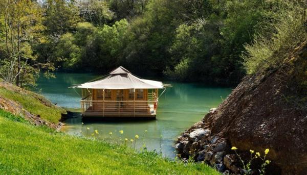 les cabanes flottantes vacances et s r nit en pleine nature. Black Bedroom Furniture Sets. Home Design Ideas