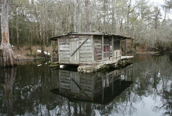 cabanes-flottantes-cabane-solitaire