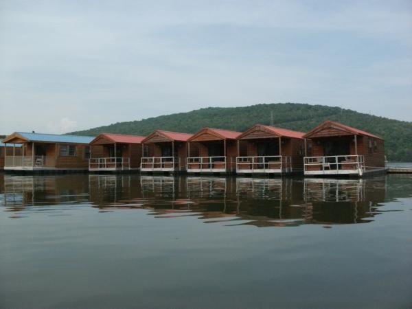 cabanes-flottantes-cabanes-sur-lac