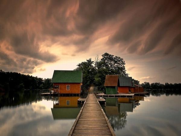 cabanes-flottantes-joli-paysage