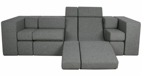 canape-convertible-en-gris-moderne