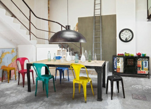 chaise-multipe-déco-coloré