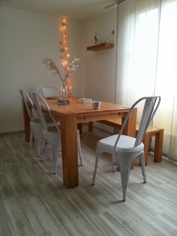 chaises-blanches