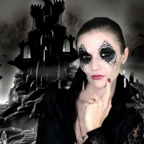 chateau-noire-et-sorcière-maquillée