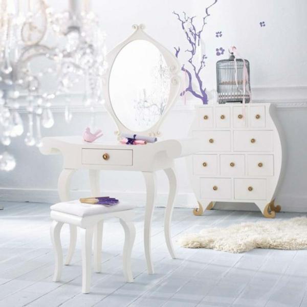 chevet-baroque-intérieur-doux-en-blanc