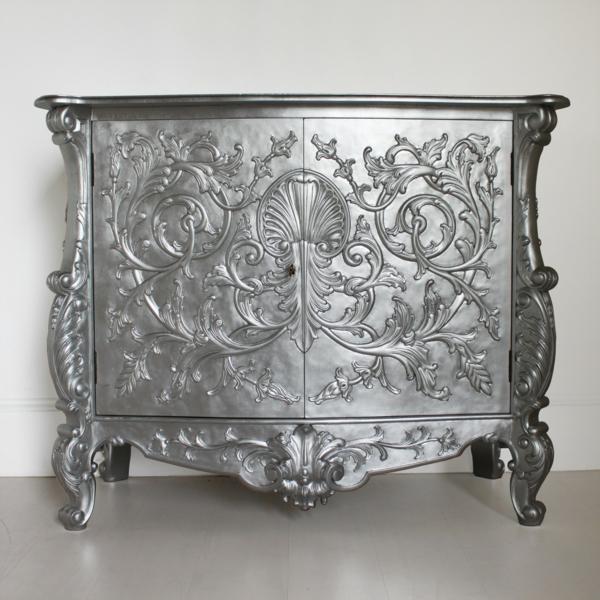 chevet-baroque-ornementé-couleur-argentée
