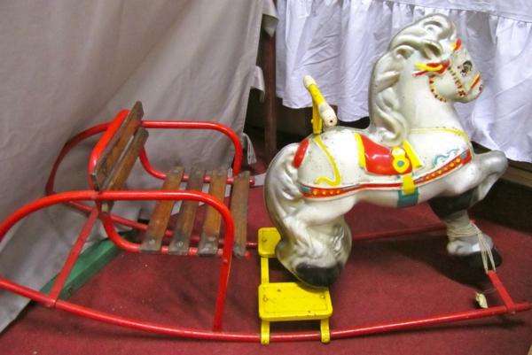 cirque-meuble-vintage-d'enfant