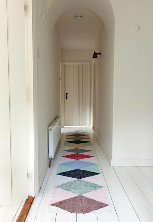 claire-couloire-coloré-tapis