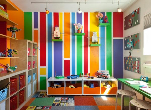 coffre-à-jouets-et-intérieur-chambre-d'enfant