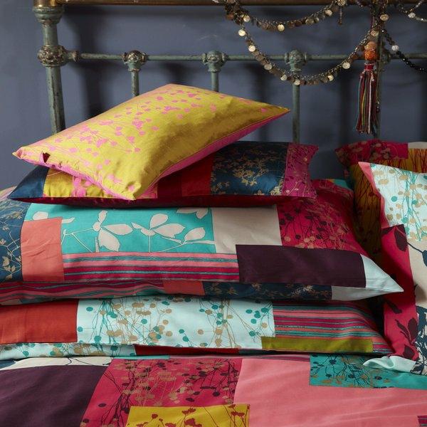 couvre-lit-patchwork-et-coussins-patchwork
