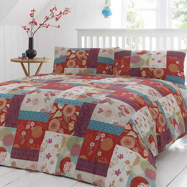 le couvre lit patchwork est une jolie finition pour votre chambre coucher. Black Bedroom Furniture Sets. Home Design Ideas