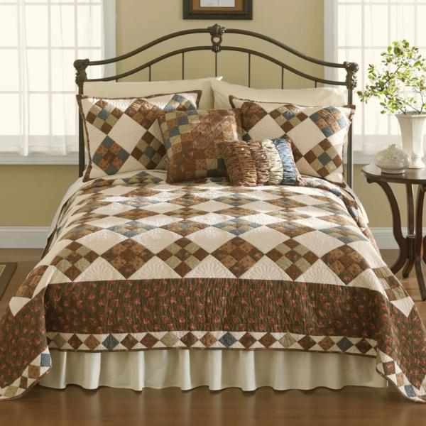 couvre-lit-patchwork-marron-et-blanc
