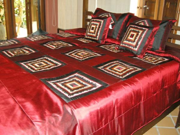 Le couvre lit patchwork est une jolie finition pour votre chambre coucher - Peut on coucher un refrigerateur pour le transporter ...
