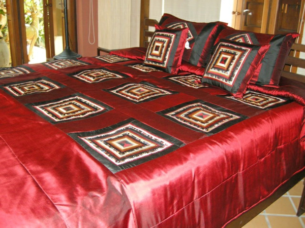 couvre-lit-patchwork-rouge