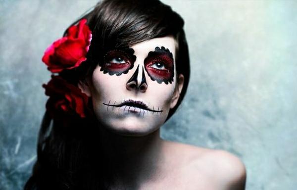 Le tuto du maquillage de halloween artistique - Faire son maquillage maison ...