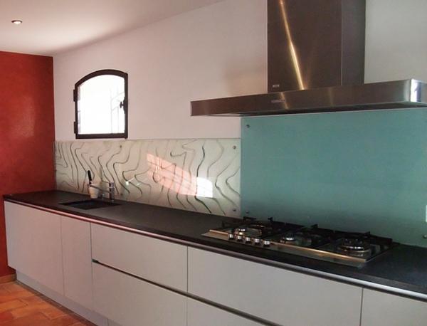 La cr dence en verre pour la cuisine for Credence en verre couleur