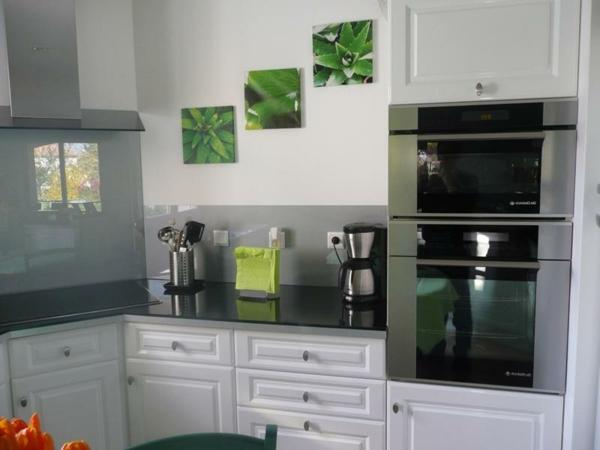 La cr dence en verre pour la cuisine - Tableau en verre pour cuisine ...
