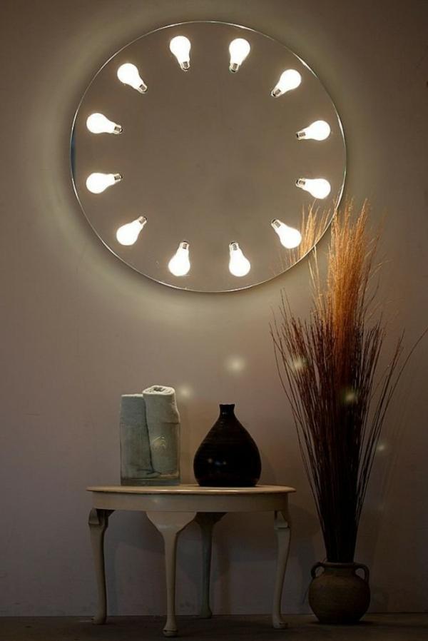 décoration-murale-originale-un-miroir-éclairé
