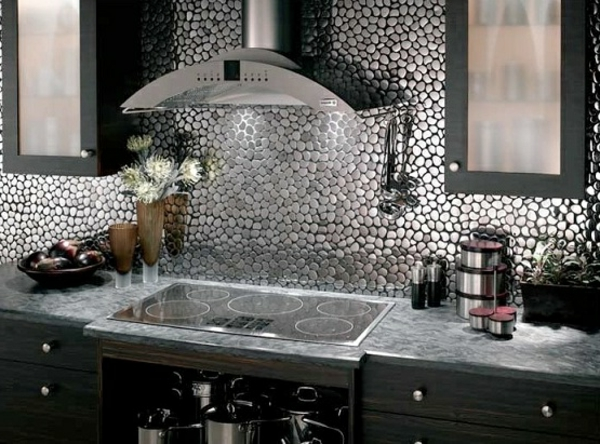 Idees de decoration murale en fer archzinefr for Kitchen cabinets lowes with art deco style wall mirror
