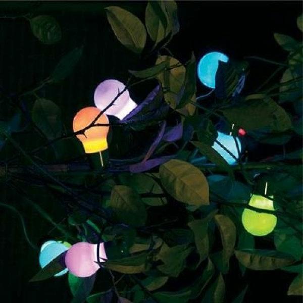 des-guirlandes-lumineuses-exterieures