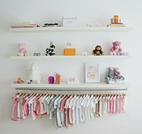 etagere-originale-vetements-bebe-enfant