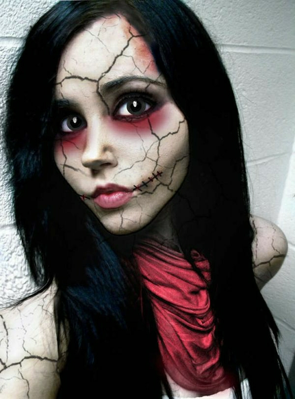 fille-tuto-du-maquillage-de-Halloween