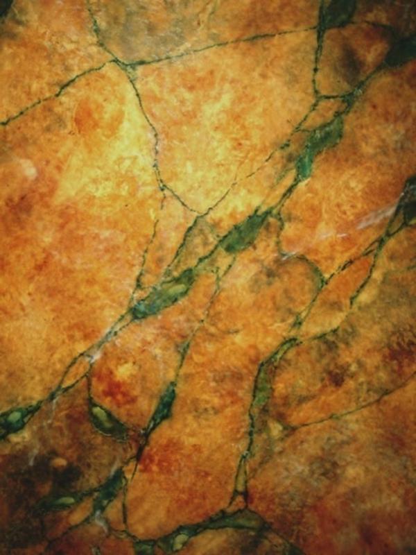 la-peinture-trompe-l' oeil-imitation-de-marbre-jaune-et-ocre-magnifique