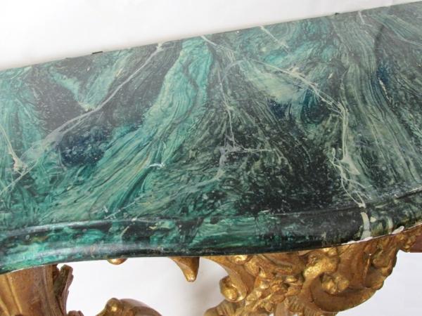 la-peinture-trompe-l' oeil-imitation-de-marbre-un-meuble-imitation-de-marbre
