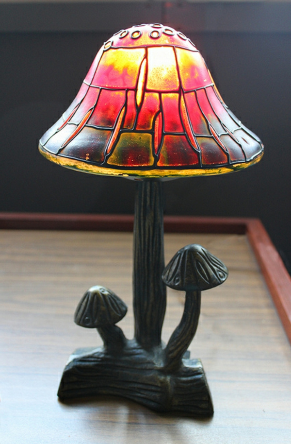 lampe-champignon-couleurs-magnifiques