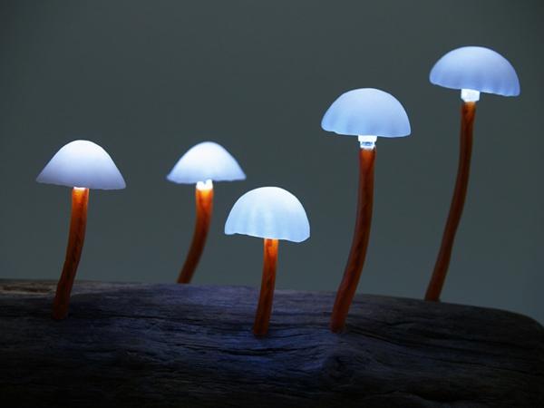 lampe-champignon-des-champignons-bleus