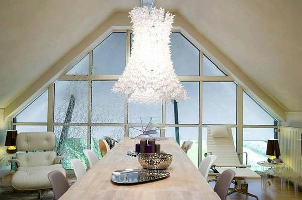 les-lampes-kartell-lampe-magnifique-au-dessus-d'une-table-ractangulaire