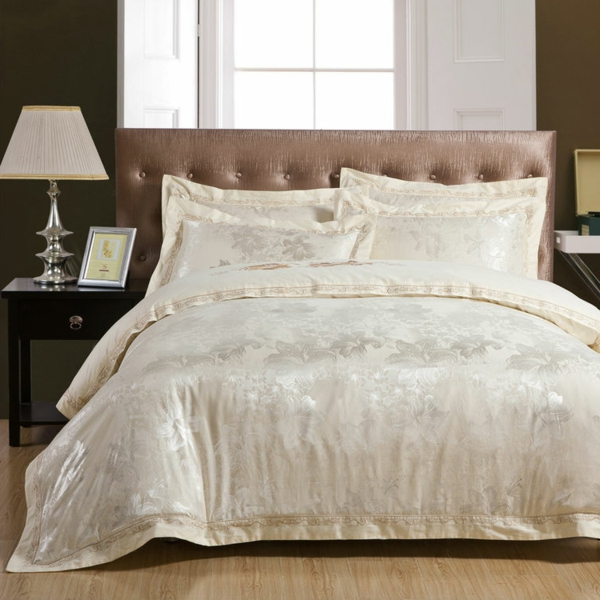Linge de lit luxe alexandre turpault paris is a linen for Parure de lit paris