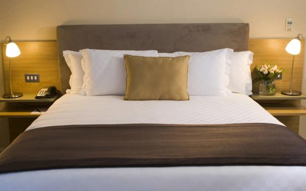 luxueuse-tête-de-lit-en-coussin