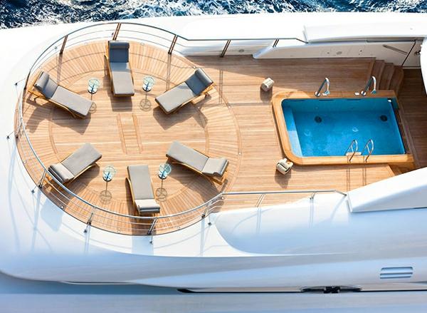 luxueux-yacht-marin