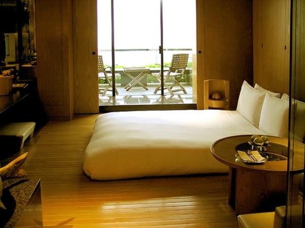 matelas-futon-une-chambre-à-coucher