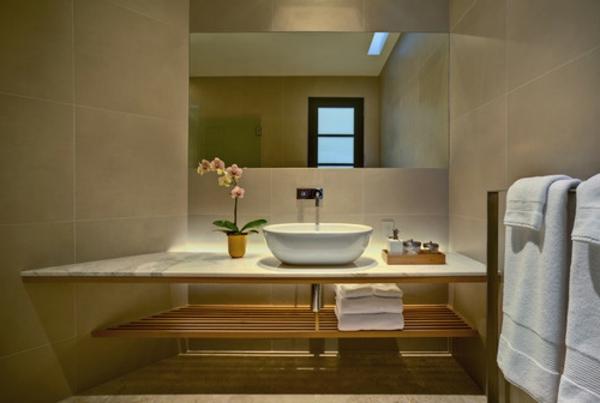 meuble-de-salle-de-bains-en-teck-rangement-intéressant