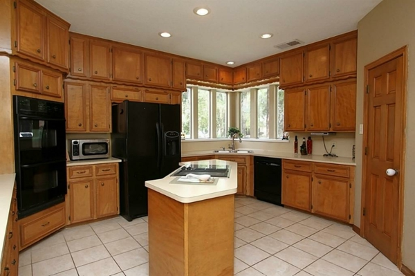 Le meuble pour four encastrable dans la cuisine moderne for Cuisine moderne en bois 2014