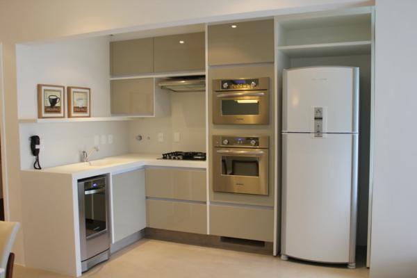 meuble-pour-four-encastrable-dans-une-cuisine-beige