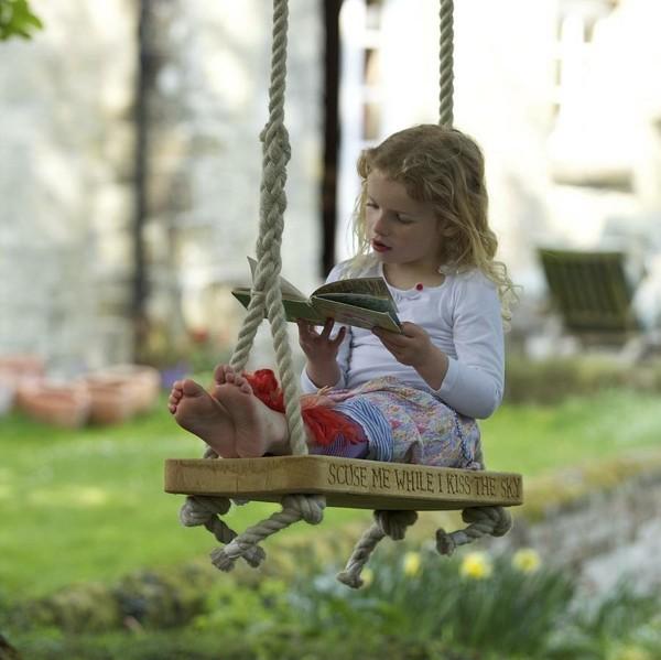 meuble-vintage-d'enfant-pour-le-jardin