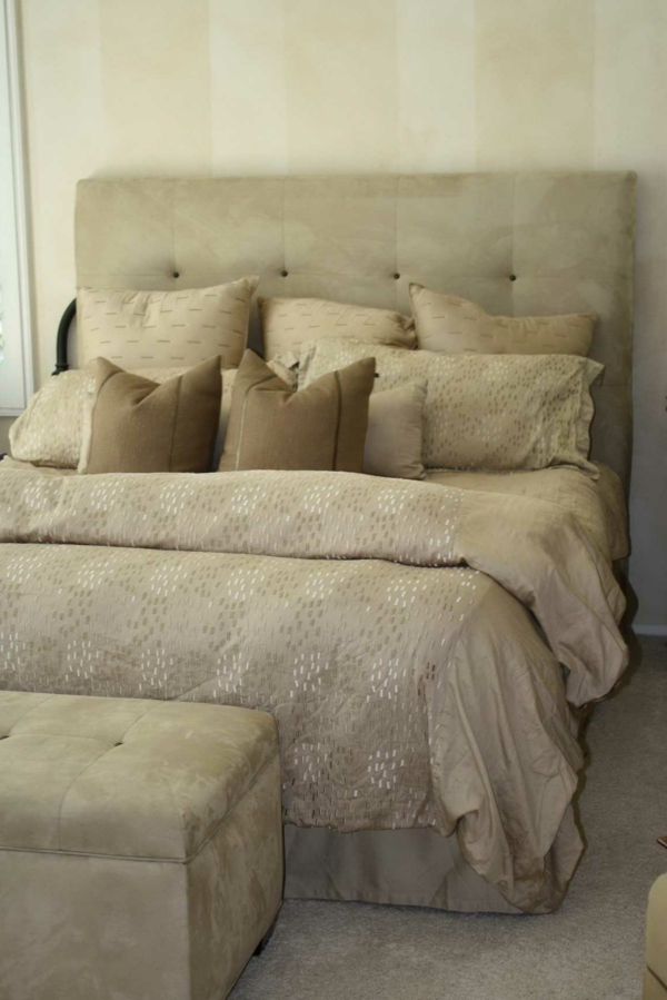 coussin pour tete de lit gallery of t te de lit coussin achat vente t te de lit coussin coussin. Black Bedroom Furniture Sets. Home Design Ideas