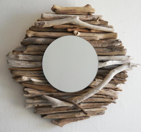 Voyez le monde dans le miroir bois flott for Miroir bois design