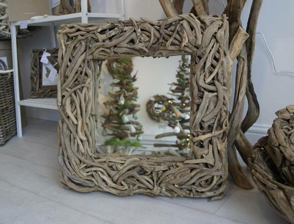 Voyez le monde dans le miroir bois flott for Miroir deco bois