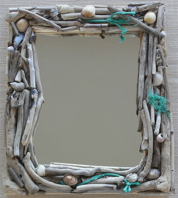 miroir-à-bois-flotté-et-une-corde-turquoise