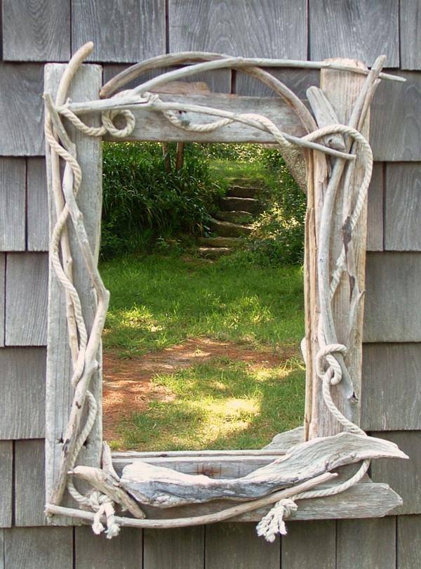 Voyez le monde dans le miroir bois flott for Comment faire un miroir en bois flotte
