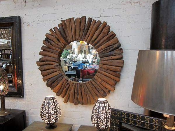Voyez le monde dans le miroir bois flott for Miroir soleil bois