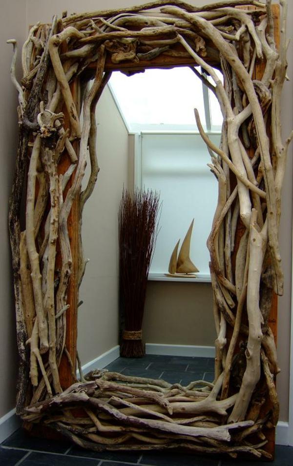 Voyez le monde dans le miroir bois flott for Miroir baroque grande taille