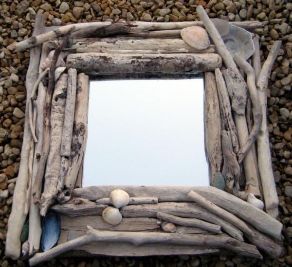miroir-à-bois-flotté-miroir-à-l'encadrement-rectangulaire