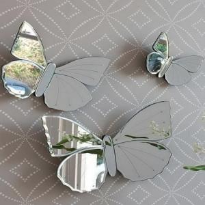 Les miroirs décoratifs sont une jolie décision pour la décoration de vos murs